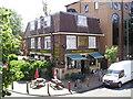 TQ2877 : Flanagans Bar Pub, Battersea by canalandriversidepubs co uk