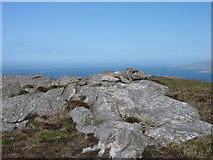 NB0301 : The summit of Beinn Rà, Taransay by David Purchase