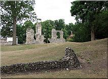 TL8564 : Bury St Edmunds: abbey ruins by John Sutton
