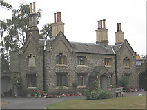 TQ1875 : Hickeys Almshouses, Sheen Road, Richmond by Stephen Craven