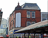 SO9490 : The Market Place, Dudley by Brian Clift