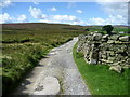 SE0136 : Access Lane across The Slack by Chris Heaton