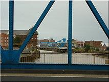 TA1029 : North Bridge over the River Hull by Ian S