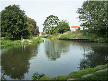 TL0506 : River Gade flows into Grand Union Canal by Tom Presland