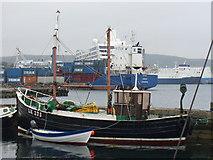 HU4741 : Hay's Dock by Colin Smith