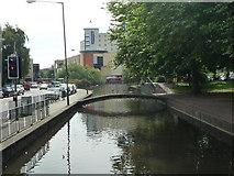 TL0506 : River Gade in Hemel Hempstead by Tom Presland