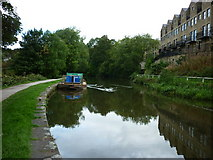 SE1039 : Walking along the Leeds to Liverpool Canal #196 by Ian S