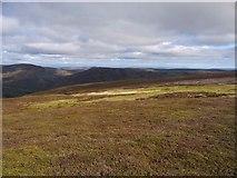 NN8131 : Moorland on the NE ridge of Achnafree Hill by Gordon Brown