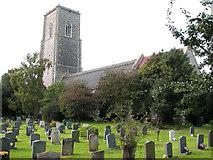 TM5286 : St Edmund's church in Kessingland by Evelyn Simak