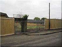SU5985 : Gate to the site by Bill Nicholls