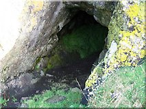 NS0853 : Cave at Dunagoil by rod collier