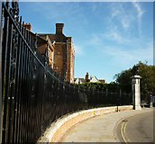 TL9925 : Railings at Colchester Castle by John Vigar