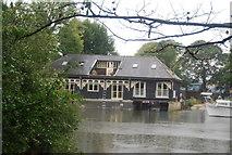 TQ1673 : Riverside house, Eel Pie Island by N Chadwick