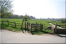 TQ5203 : Kissing gate off Lullington Rd by N Chadwick