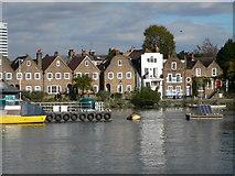 TQ1977 : Strand-on-the-Green by Eirian Evans