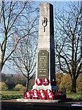 SP2871 : Kenilworth's war memorial on a crisp autumn day by John Brightley
