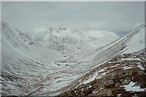 NN9896 : On the north ridge of Carn a' Mhaim by Russel Wills