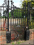 SP2871 : Ornate gate at entrance to Kenilworth Cemetery by John Brightley