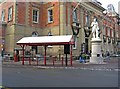 SO8376 : Bus shelter, Exchange Street by P L Chadwick