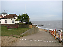 TM5075 : This way to the Beach, Southwold by Evelyn Simak