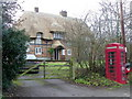 ST9966 : Telephone box, Heddington by Maigheach-gheal