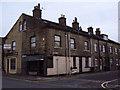 SE1030 : Street corner, Bradford by Slbs