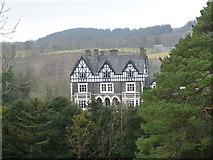 SH7519 : Dolserau Hotel by liz dawson