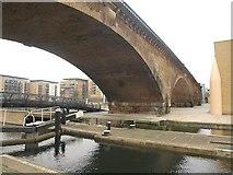 TQ3681 : Railway Viaduct, Limehouse by Derek Harper
