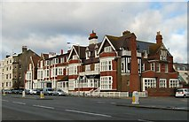 TQ2804 : St Catherine's Lodge Hotel by Paul Gillett