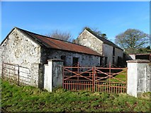 H6058 : Derelict farmhouse, Tullylinton by Kenneth  Allen