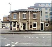 SU1585 : The Queens Tap, Swindon by Jaggery