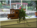 NS4362 : Loco themed plant holder by Thomas Nugent
