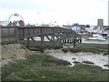 TQ2104 : Footbridge to Shoreham by Malc McDonald