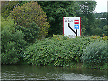 SO8453 : Warning sign by the River Severn near Worcester by Roger  Kidd