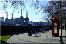 TQ2977 : Boris Bikes by the Thames by Thomas Nugent