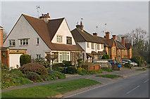 TQ3853 : Chalkpit Lane by Ian Capper