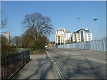 SU4212 : Lampposts in East Park Terrace by Basher Eyre