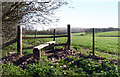 SU4889 : Stile to Vanished Footpath by Des Blenkinsopp