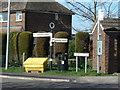 SK7995 : Fingerpost at Ings Lane by Alan Murray-Rust