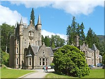 NS1385 : Benmore House by Lairich Rig