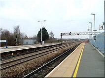 SU1585 : Signal gantry at eastern end of Swindon railway station by Jaggery