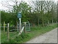 SJ9583 : Footpath junction and sign by Graham Hogg