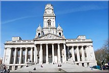 SU6400 : Looking up at Portsmouth Guildhall by Barry Shimmon