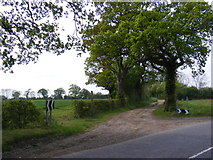 TM2768 : King's Lane bridleway to Tannington Long Road  & entrance to Down's Farm  Bungalow by Adrian Cable