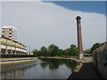 TQ3681 : Regent's Canal near Tower Hamlets by Gareth James