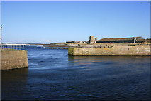 ND1268 : Breakwaters, Thurso by Paul E Smith