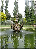 TQ2882 : Fountain in the Park by Dave Pickersgill