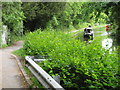 SP0879 : Driveway to cottage on canal by Michael Westley