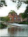 SO9946 : Fladbury weir and Cropthorne Mill by Chris Allen