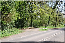 TQ4251 : Turn off to Lombarden Farm, Kent Hatch Rd by N Chadwick